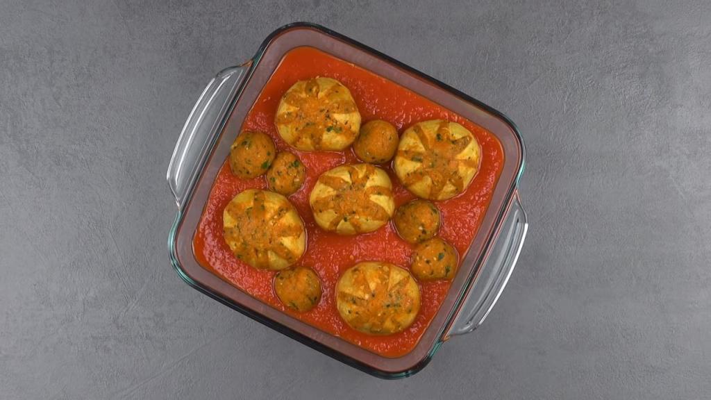 Простой рецепт для праздничного стола: «картофельные цветы» с куриной грудкой