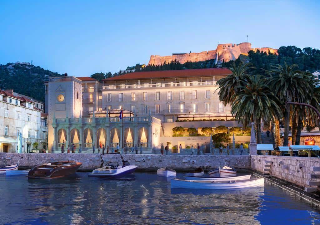 Первый пятизвездочный отель на хорватском острове Хвар: что может быть лучше ночи в бывшем герцогском дворце