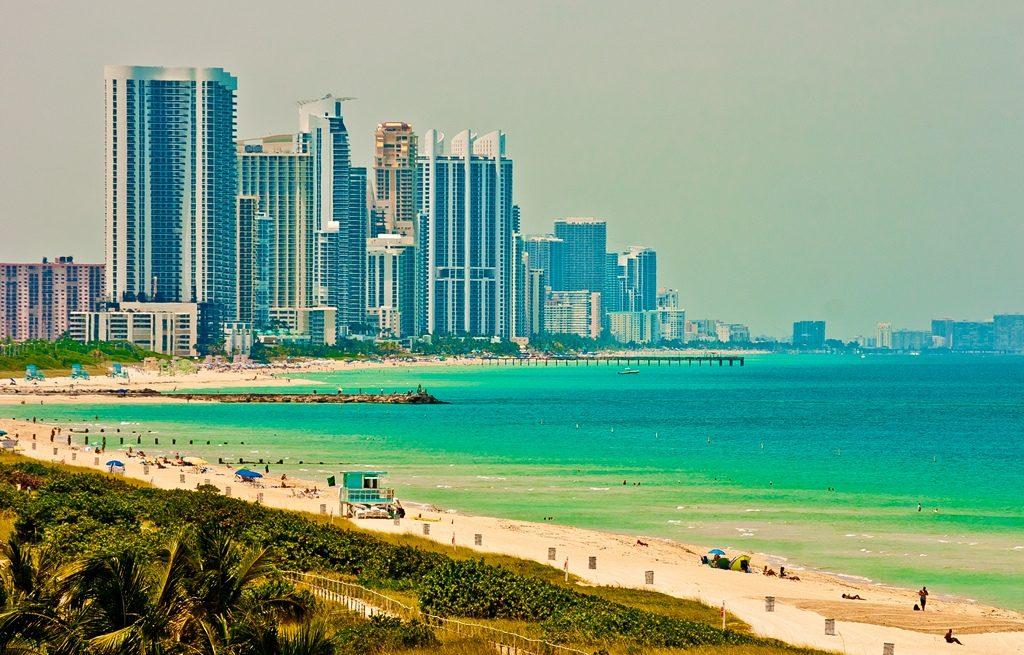 Названы города, в которых туристов больше, чем местных жителей