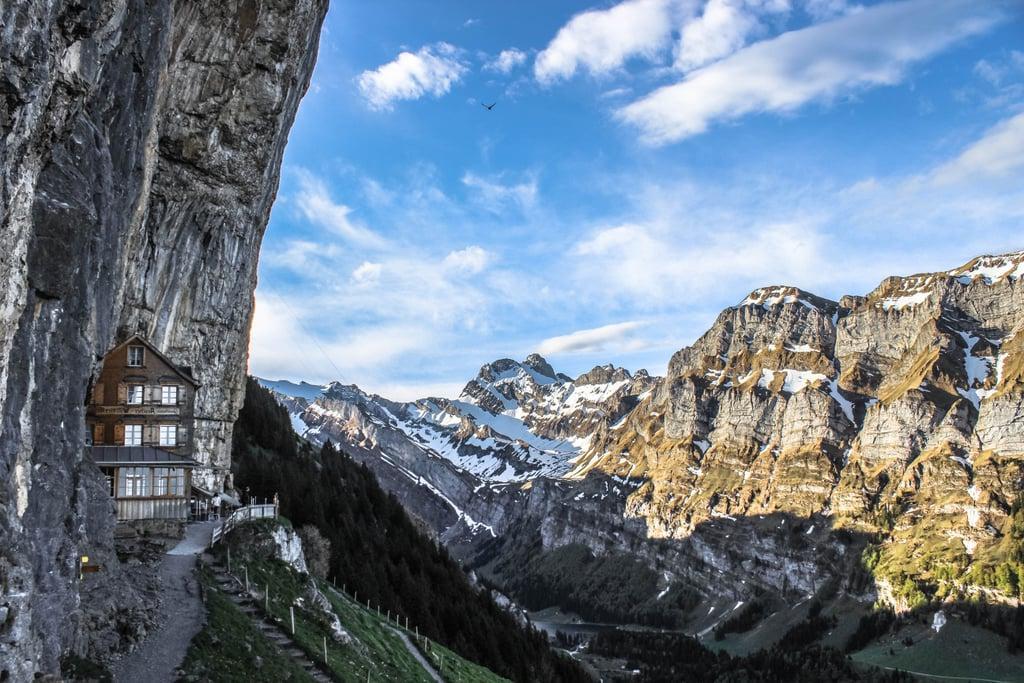 Ресторан высоко в Швейцарских Альпах: почему стоит посетить Cliffside хотя бы раз в жизни