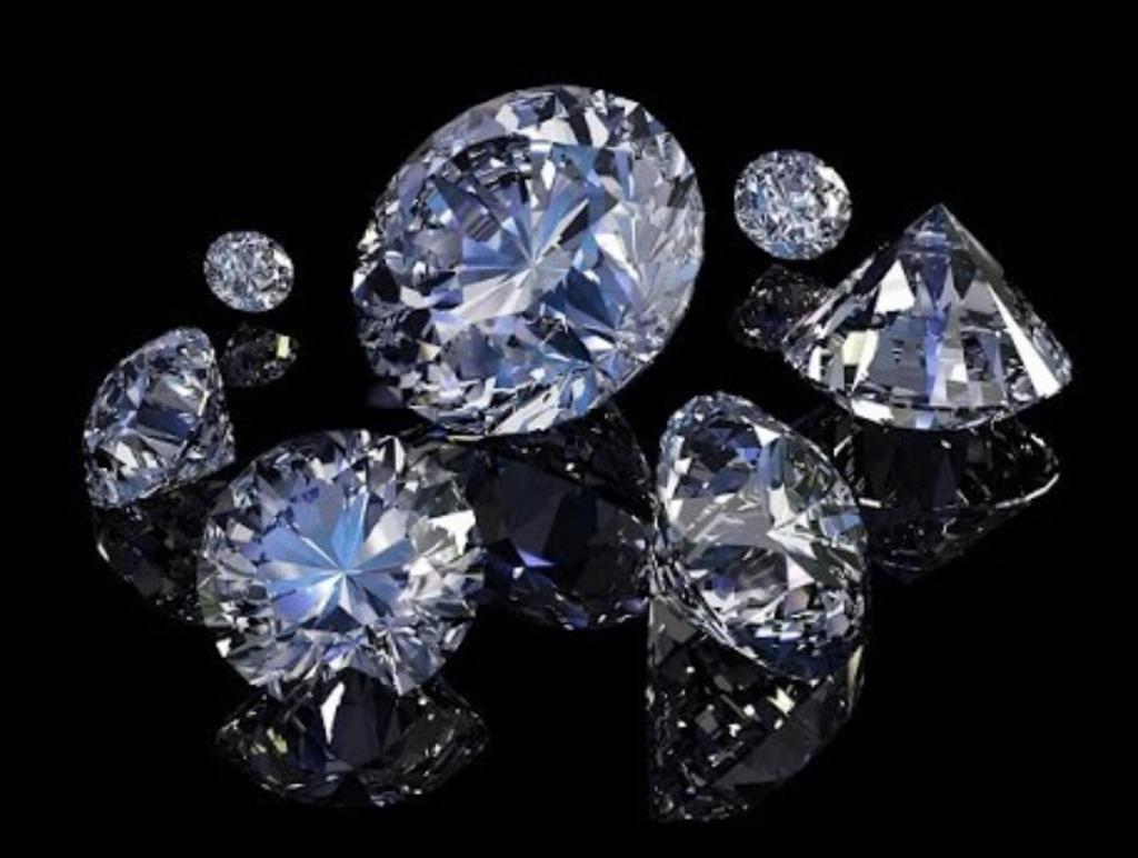 Почему люди обмениваются кольцами с бриллиантами на свадьбе - мнения историков и психологов
