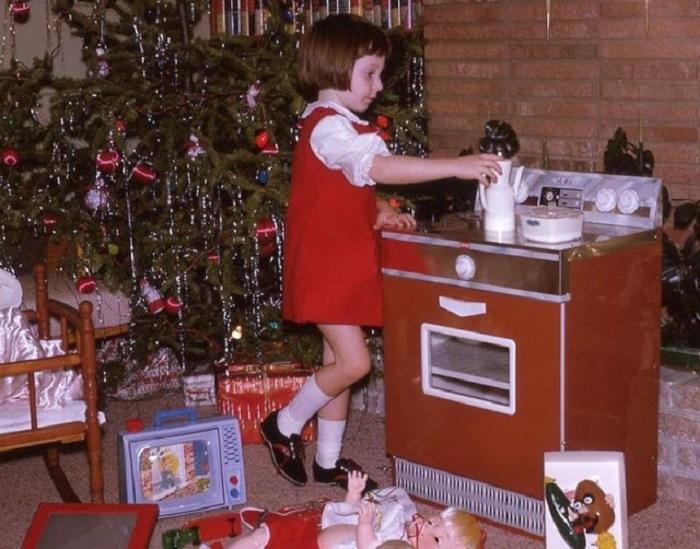 Какие подарки приносил детям Дедушка Мороз 70 лет назад (фото)