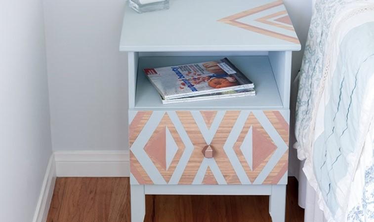 Из скучного предмета мебели в стильную деталь интерьера: как переделать и задекорировать обычную тумбочку