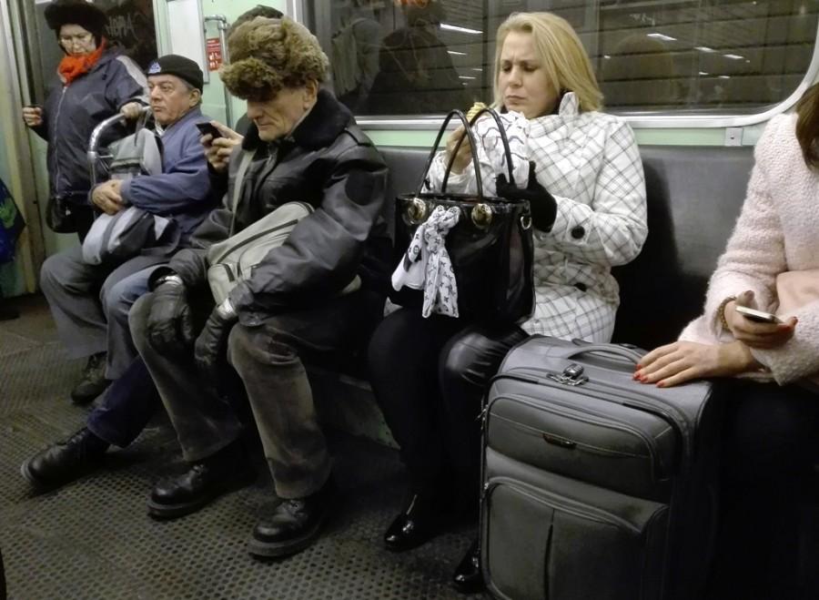 Простая одежда, низкая зарплата и ни капли заносчивости: как выглядит настоящий коренной москвич. Подруга-москвичка рассказала, как они вычисляют