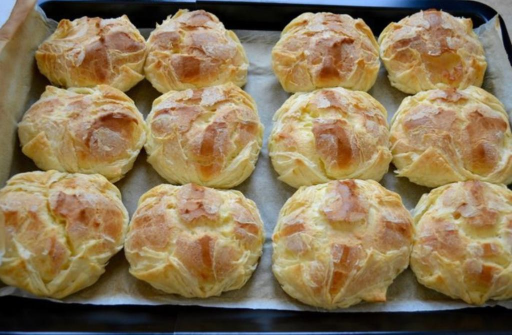 Заварные пирожные с нежнейшим кремом: так их готовят в одной из лучших кондитерских Петербурга (рецепт)