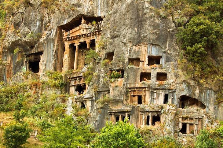 Популярные достопримечательности и развлечения в Фетхие: откуда в турецком городе римский театр