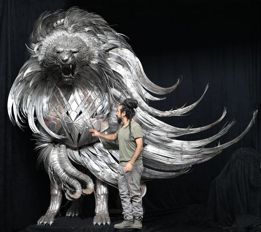 Огромные металлические скульптуры: проект турецкого художника