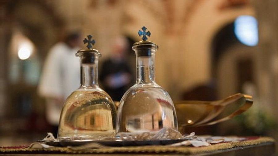 Святая вода избавит от бедности и неудач: какие ритуалы нужно соблюдать 19 января, в день Крещения