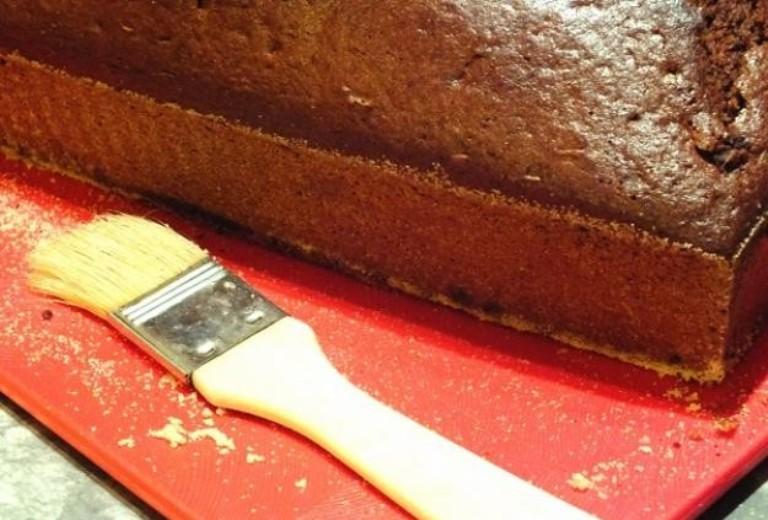 Пеку пряничный кекс к кофе. Подруги слетаются в гости, как мухи на мед