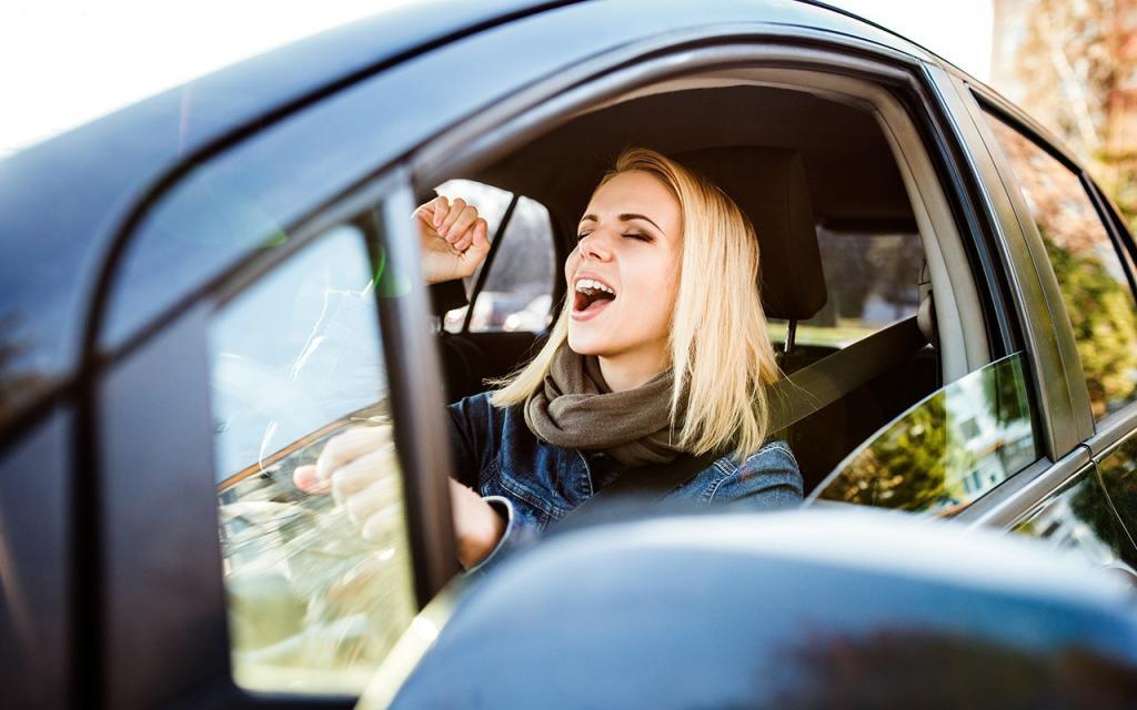 Пойте за рулем: музыка уменьшает вероятность несчастных случаев и поднимает настроение