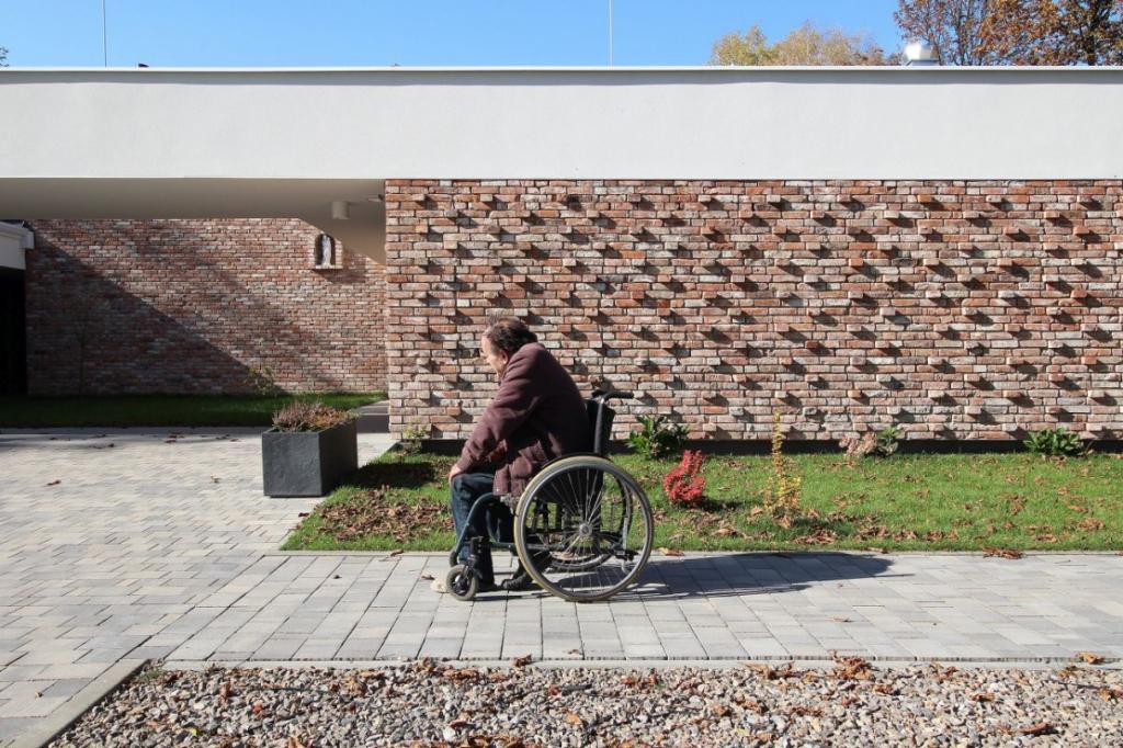 Элитная ночлежка в Польше: приют, построенный для бездомных, привлек внимание СМИ благодаря своему инновационному дизайну