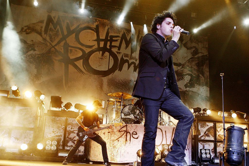 Группа My Chemical Romance побила рекорд на первом концерте после воссоединения, собрав почти $ 1,5 миллиона за одно шоу