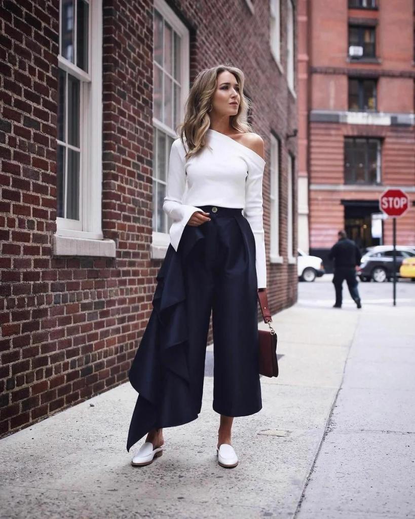 Цветастое не носить, широкое не надевать: 7 моделей брюк, которых следует избегать пожилым женщинам