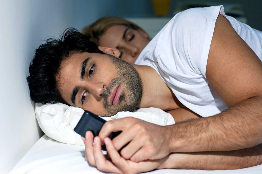 Когда неверность мужа приносит радость: женщина рассказала, почему она была счастлива узнать, что муж ей изменяет