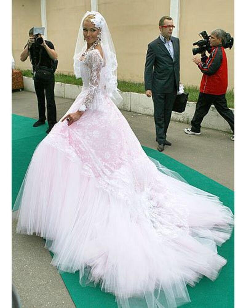 «Планирую сменить семь платьев»: Анастасия Волочкова назначила точную дату своей свадьбы