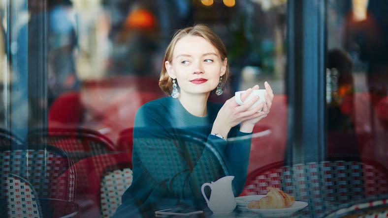 Они не любят макияж и солнце: секреты красивой кожи, которые я узнала у парижанок