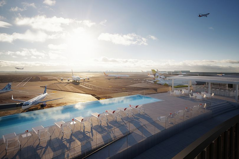 Хит среди любителей авиации: пейзажный бассейн отеля на крыше с видом на оживленную взлетно-посадочную полосу аэропорта