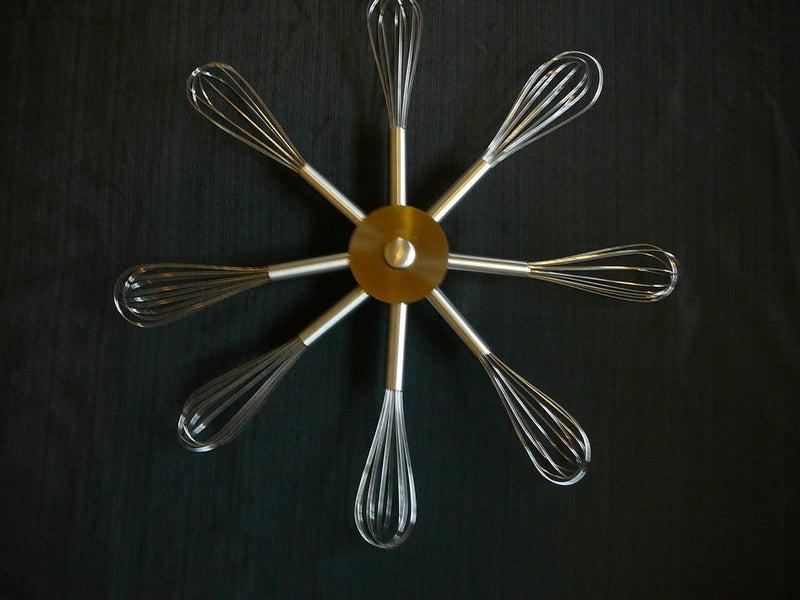 Оригинальная идея для декора кухни: делаем украшение из ненужных венчиков