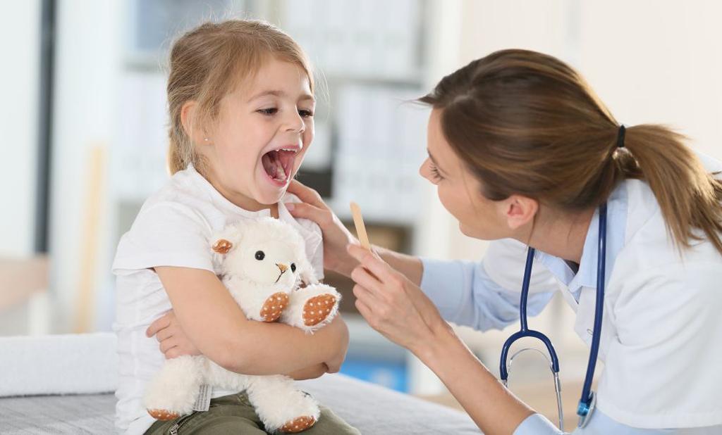 Картинки с изображением врачей которые лечат детей
