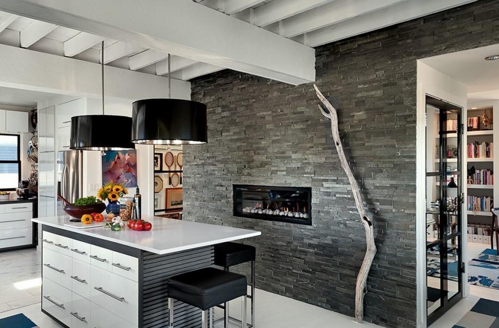 Долой скучную плитку: идеи оформления кухонного фартука натуральным камнем