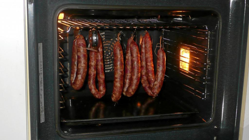 Как из одного фарша сделать 4 вида колбасы в домашних условиях: уникальный эксперимент, результат которого порадовал