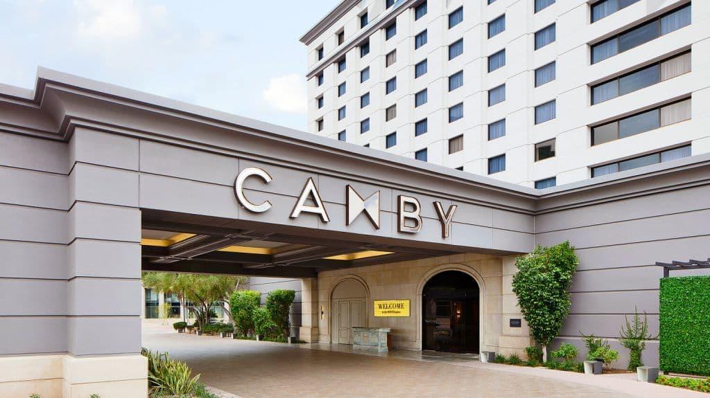 Отель Camby - потрясающее сочетание современных удобств и услуг мирового класса, дополненных безмятежным видом на горы