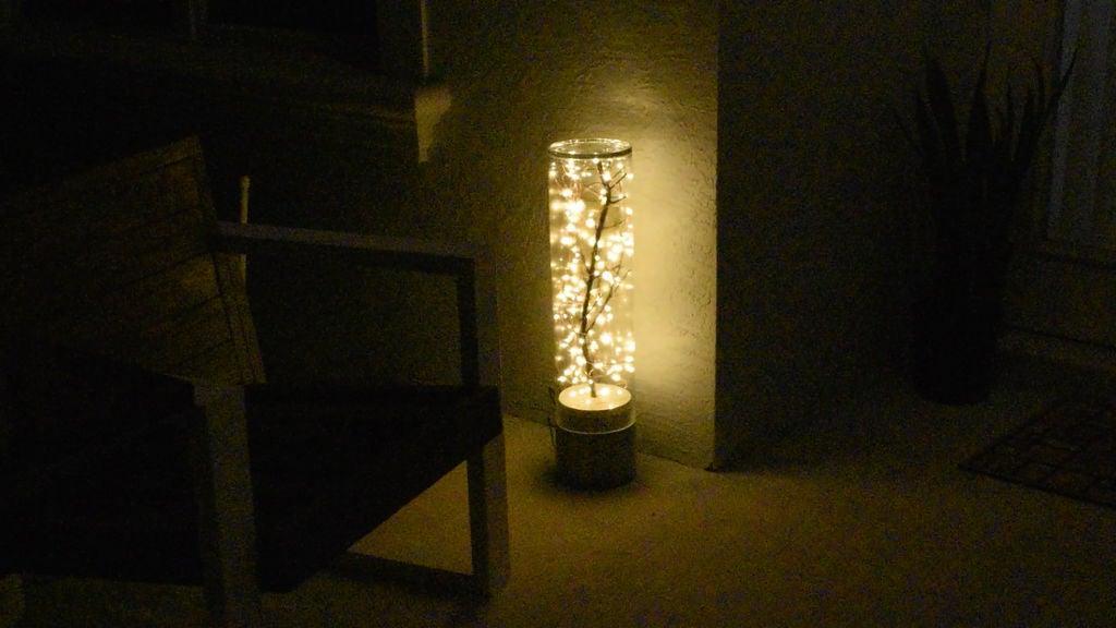 Идея для стильного украшения комнаты: делаем светильник своими руками