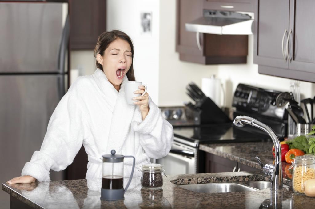 С постели сразу за стол: 3 совета, которые помогут похудеть за завтраком
