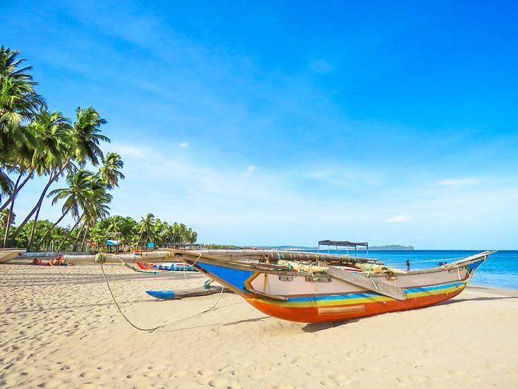 Пляжи Шри-Ланки, на которых вы не встретите толпы туристов, а сможете спокойно насладиться шумом прибоя и пением птиц