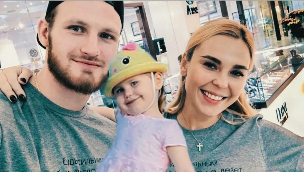 «Как будто не разводились»: певица Пелагея гармонично смотрелась с экс-мужем на дне рождения дочери