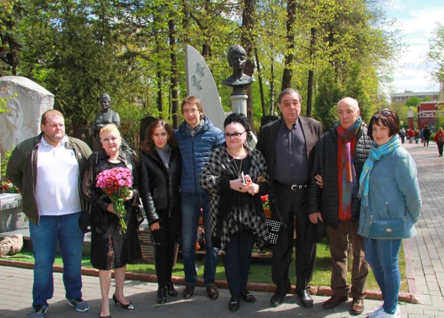 Памятник татьяне самойловой фото
