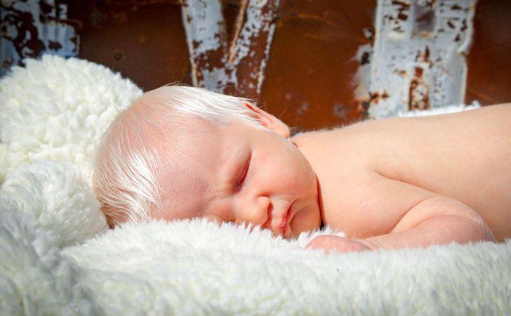 В Венгрии родился необычный малыш: особенностью является то, что от рождения у него седые волосы