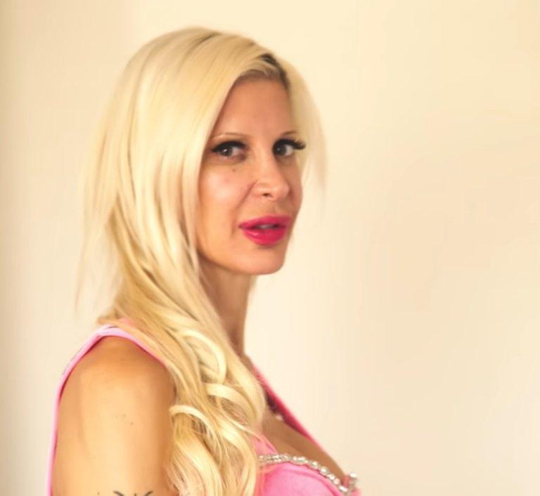 Анжелика Морган - ярая поклонница азиатской внешности: она уже потратила 50 000 долларов, чтобы ее получить