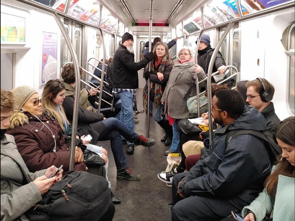 Турист побывал в Нью-Йорке и был удивлен порциями еды, неразговорчивостью людей и не только