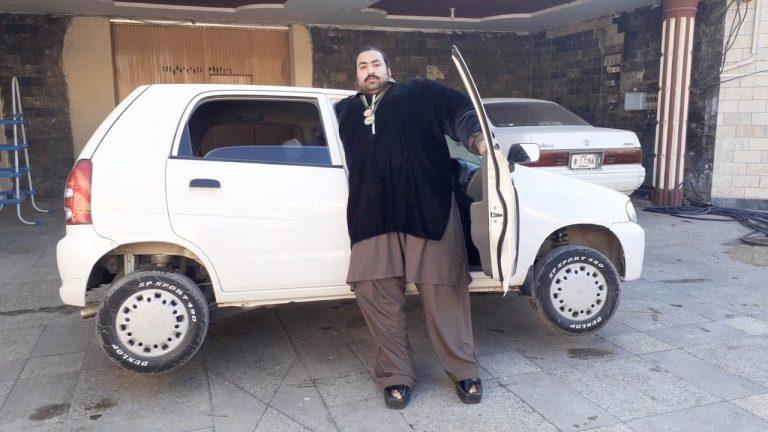 2-метровый пакистанский