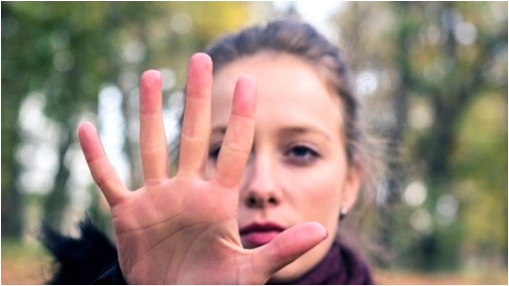 Встречаться на нейтральной территории: как себя вести с проблематичными членами семьи