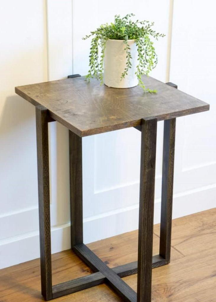 Стильная мебель, которую легко смастерить своими руками: делаем небольшой столик из натурального дерева
