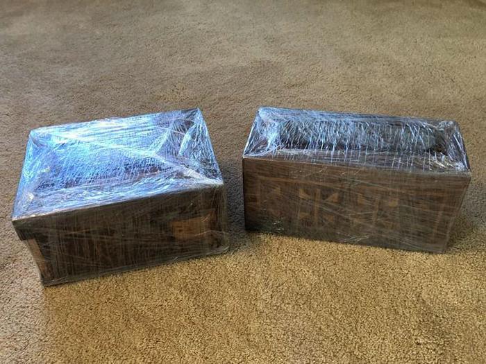 Грабитель оставил семье запечатанную коробку: спустя 100 лет его правнуки открыли ее