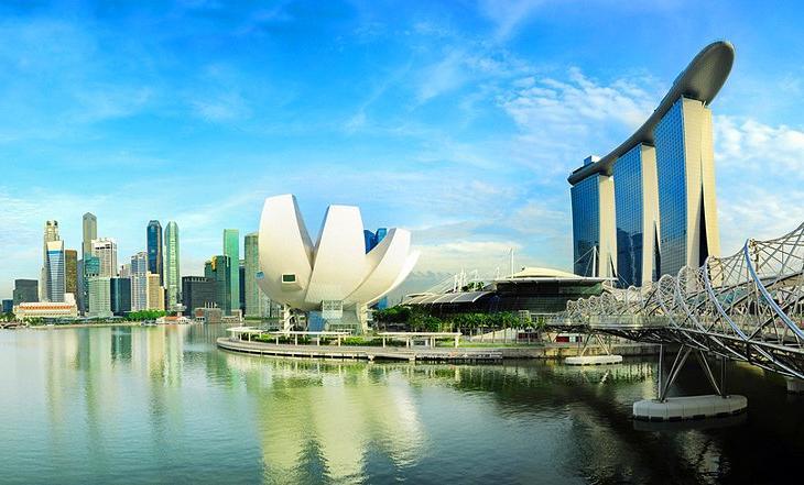 Огромный и величественный Сингапур способен поразить воображение неподготовленного туриста: почему все так обожают эту страну