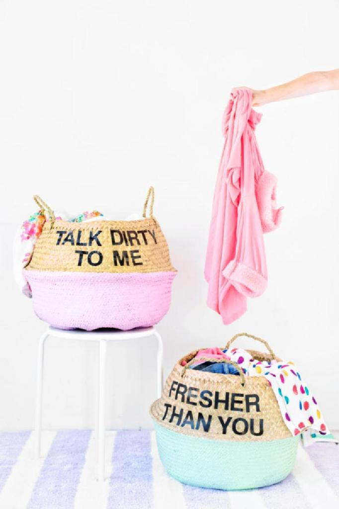 Веселая стирка: делаем корзины для белья ярким и оригинальным предметом декора
