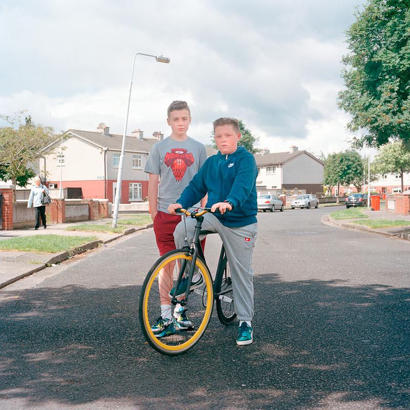 Переходный возраст по-ирландски: фотограф запечатлевает, как взрослеет молодежь Дублина в эпоху экономических проблем