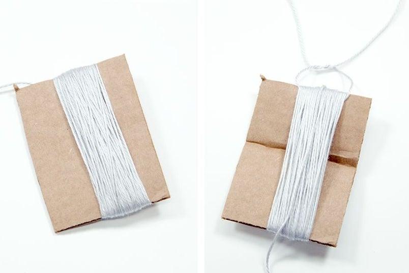 Интересная идея для украшения комнаты девочки: делаем гирлянду из бусин и декоративных кистей