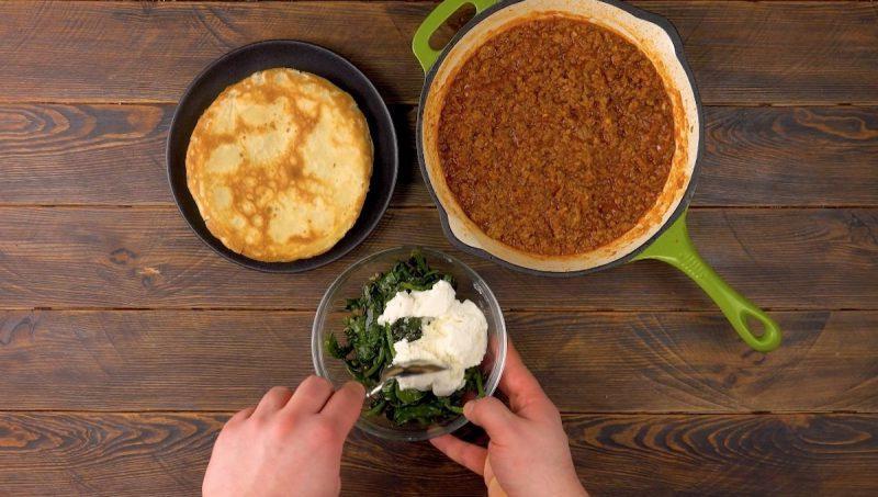 Блины с фаршем и шпинатом по-бразильски: вкусный и простой ужин