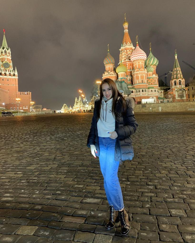 Вся в маму: прекрасная и юная фигуристка Анна Загитова показала свою красавицу-маму. Они смотрятся как две сестры: фото