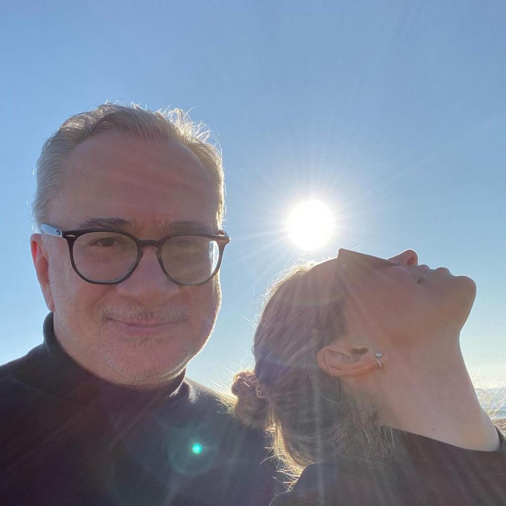 «В отношениях полный порядок!»: Вера Брежнева выложила совместное фото с мужем из Италии