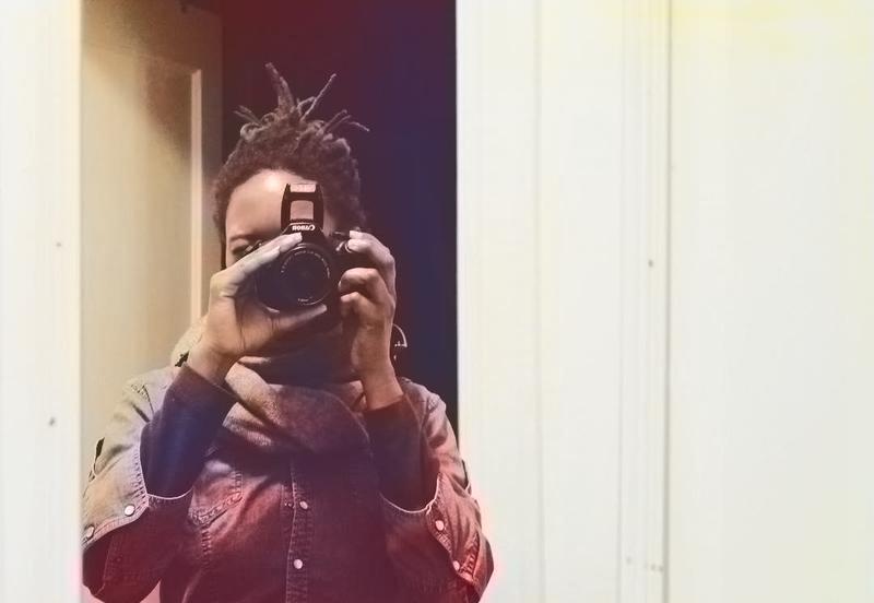 Выходя из магазина, Кристина заметила, как женщина обращается со своим псом, и быстро достала фотоаппарат