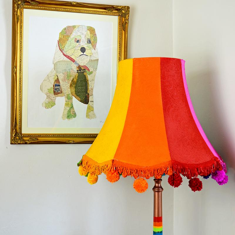 Добавьте красок интерьеру: как сделать очень яркий и красивый торшер своими руками