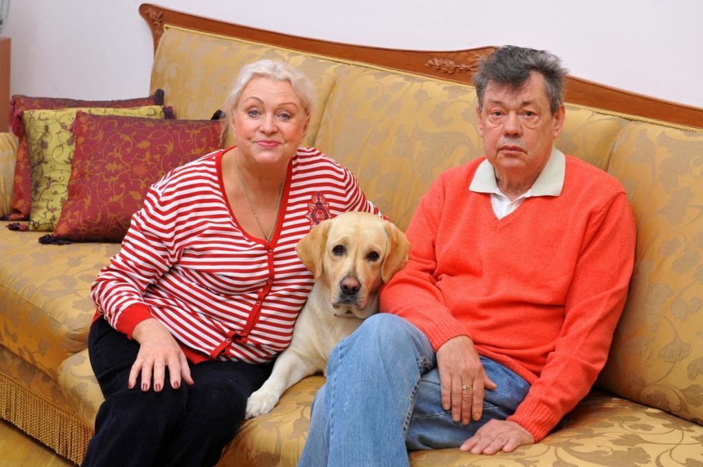 Вдова Николая Караченцова рассказала, откуда берет деньги на путешествия по миру
