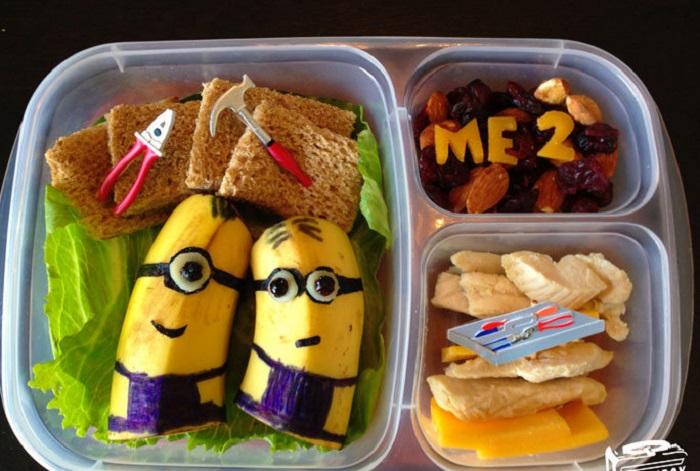 Креативный папа делает из обычных бутербродов произведения искусства для дочери на школьный обед