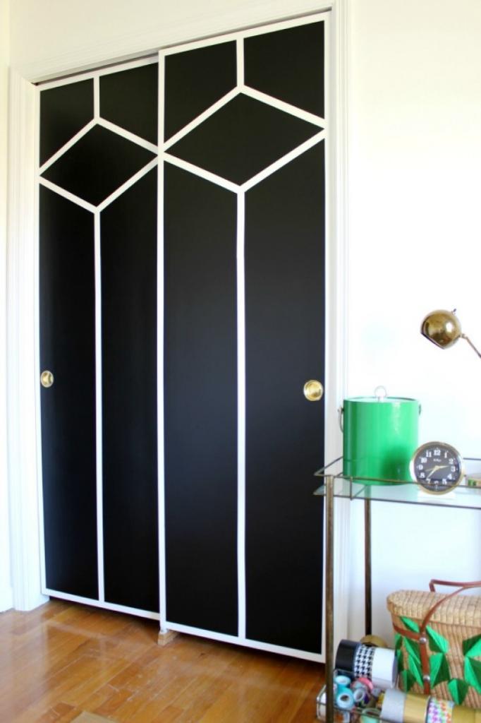 Долой скучный белый цвет: как красиво и аккуратно покрасить двери шкафа
